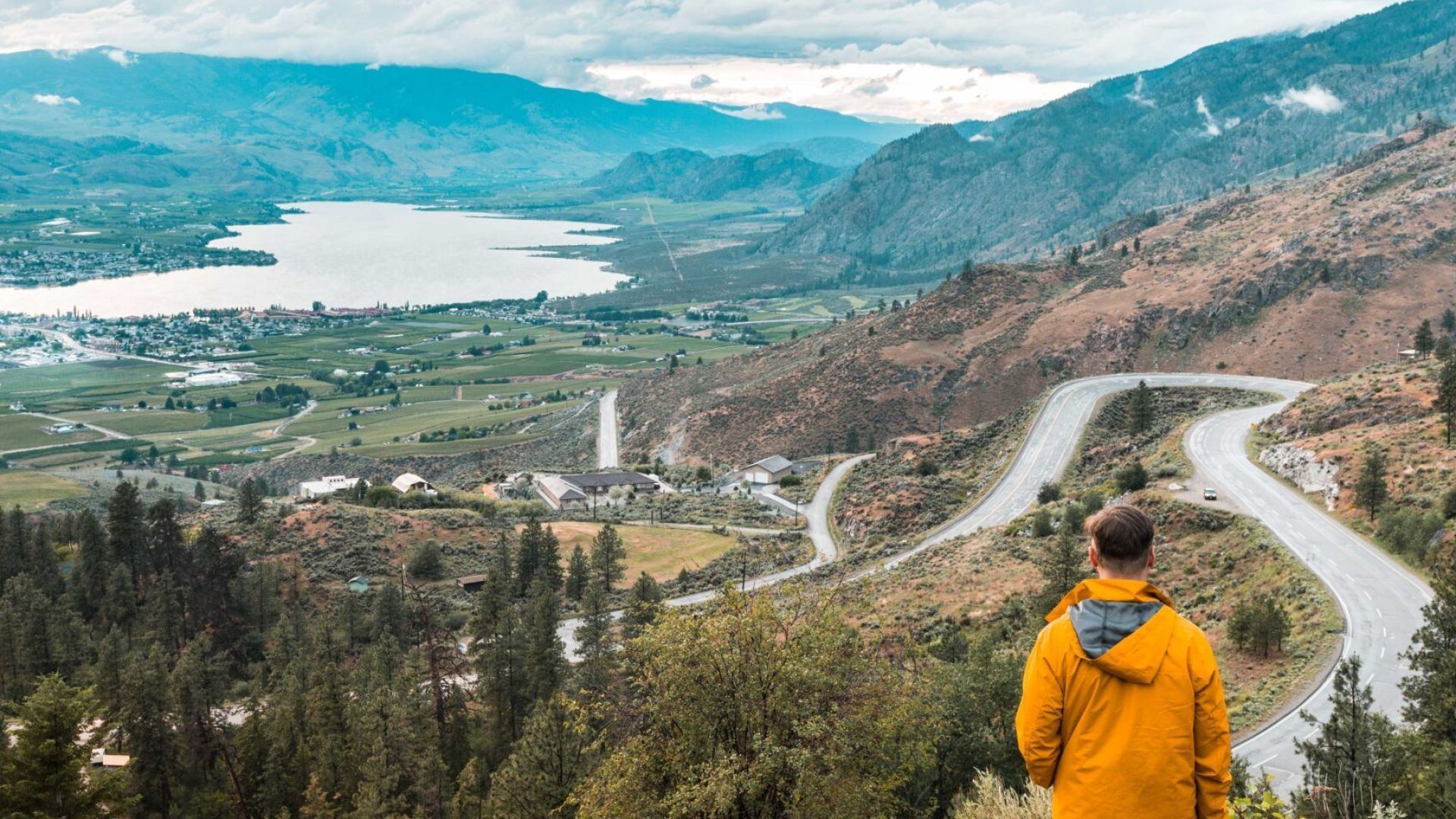 what's open in osoyoos