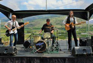 Rob n' Walker Band performing