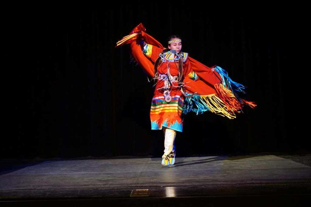 Nk'Mip Cultural Center - cultural dance